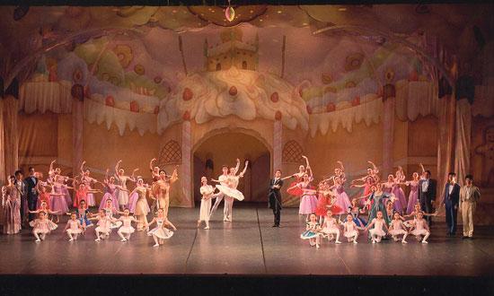 クリスマスコンサート「くるみ割り人形」全2幕 フォトギャラリー